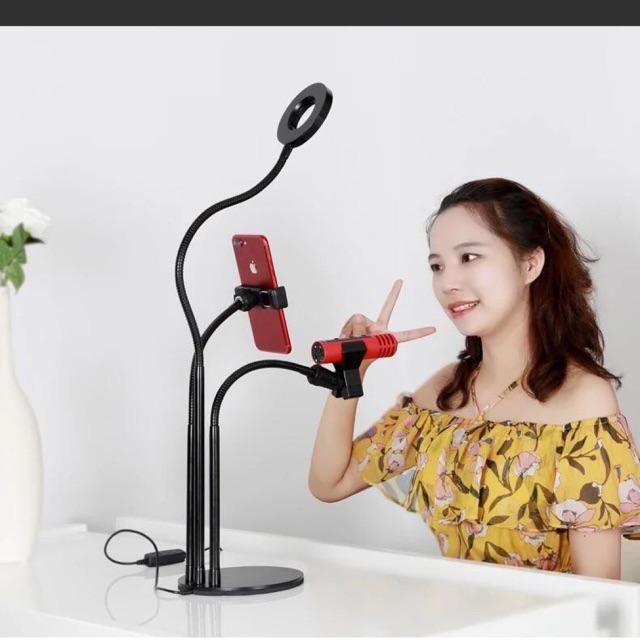 Chuẩn bị dụng cụ để Livestream bán mỹ phẩm hiệu quả