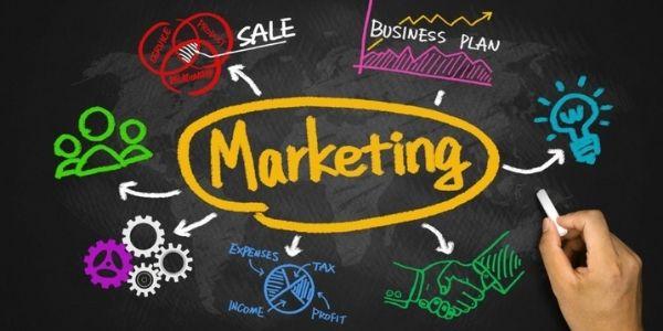 Thực hiện các chiến dịch Marketing truyền thống và Online