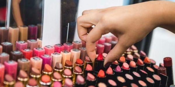 Xác định đúng đối tượng khách hàng mục tiêu shop mỹ phẩm online